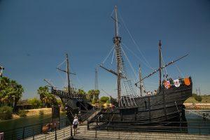 Tijdens de Spaanse Tijd op Jamaica kwam columbus aangevaren met de Santa Marria.
