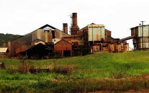 Gedurende de Britse tijd (18de eeuw) werden er veel suikerfabrieken gebouwd.