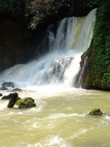 Als je Jamaica bezoekt, moet je zeker de watervallen gaan bekijken
