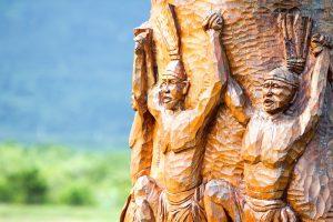 De blue mahoe wordt op Jamaica veel gebruikt voor de houtsnijkunst.